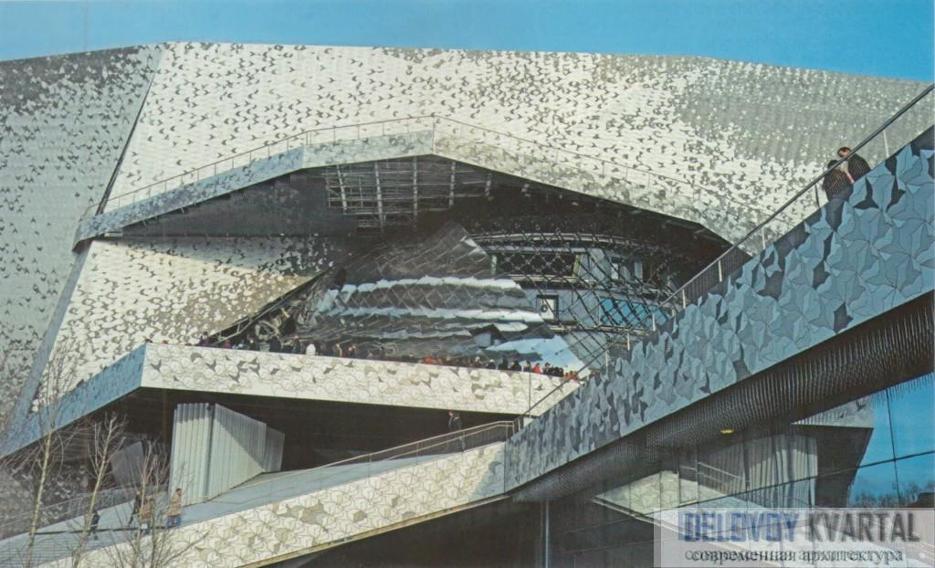 Главный фасад филармонии