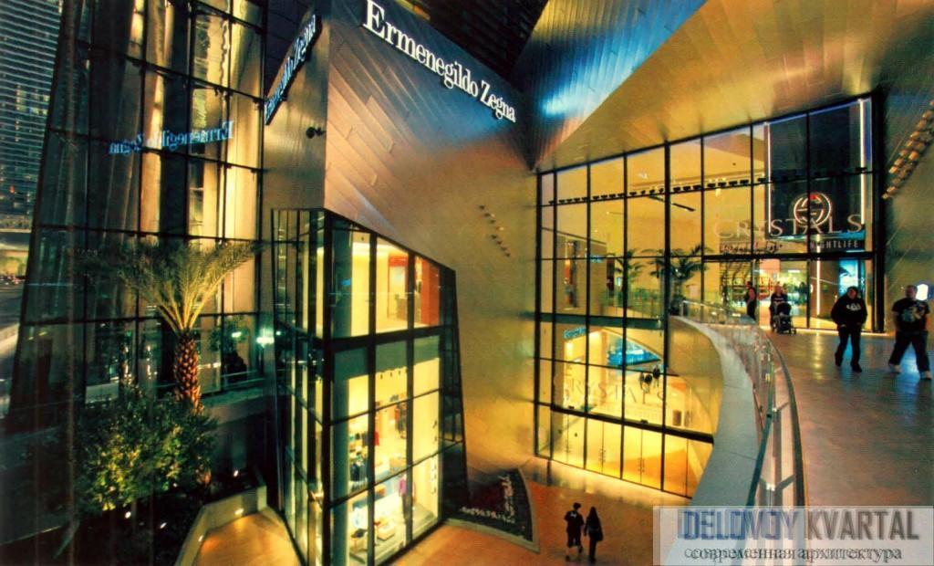 Вход в торгово-развлекательный центр Crystals