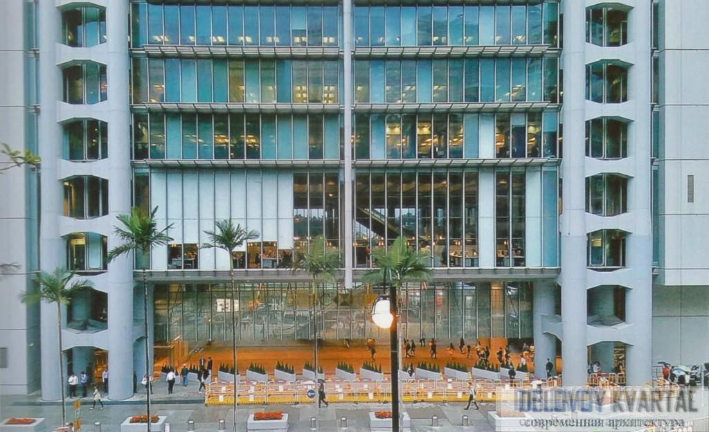 Новый модуль входной группы здания HSBC банка