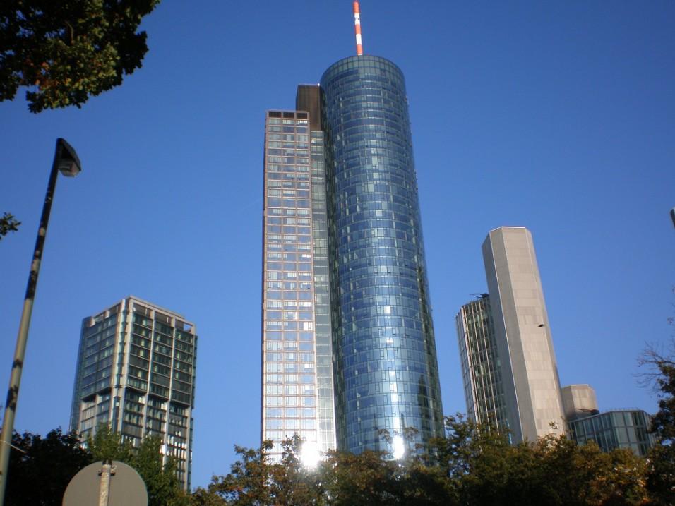 Main Tower. Архитектор Петер Швегер.