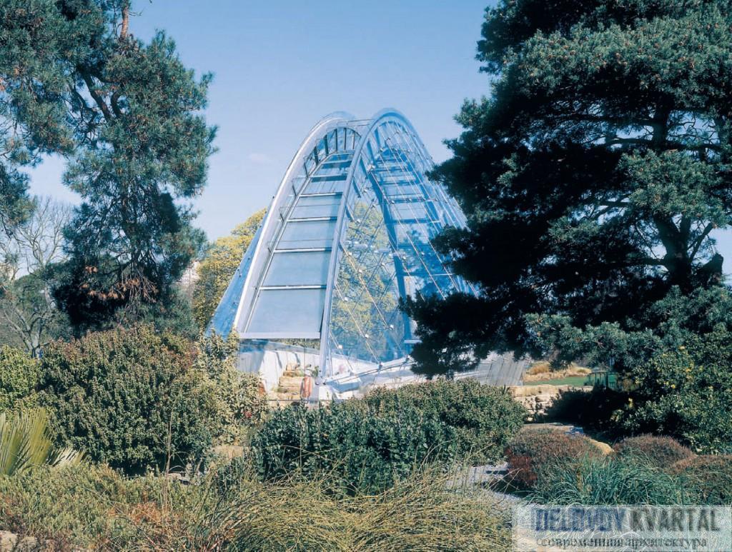 Альпийский домик в Ботаническом саду Кью. Лондон