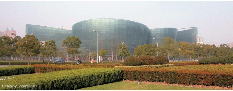 Центр восточной культуры в Шанхае. 2004
