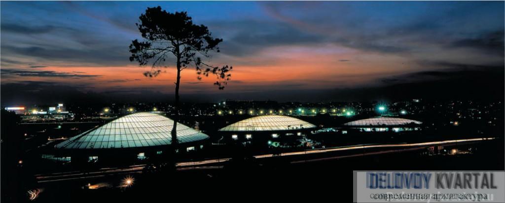 Гимназия в Гуанчжоу. 2001. Поль Андре