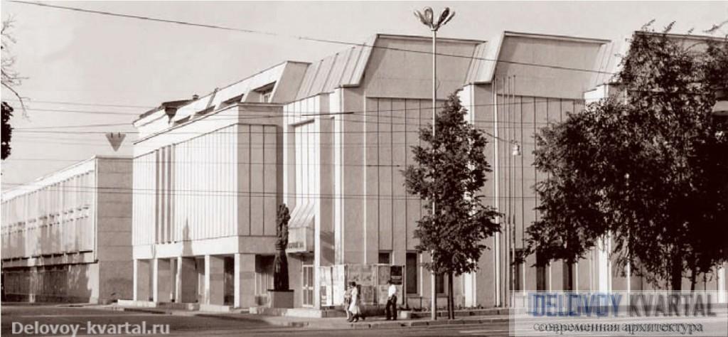 Выставочный зал Союза художников Республики Татарстан. 2003. Герман Бакулин