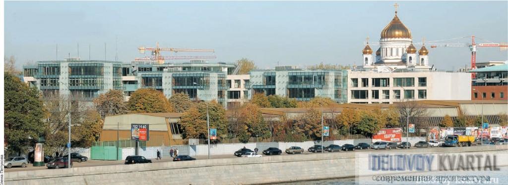 Вид на жилой комплекс с Крымского моста.