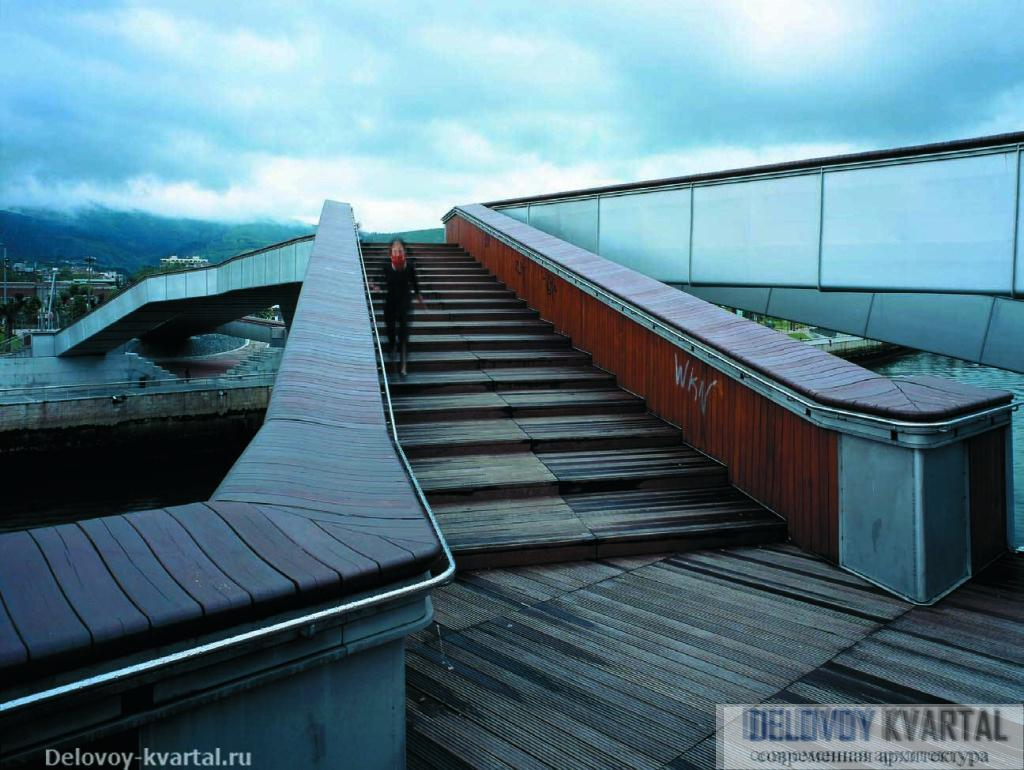 Пешеходный мост Pedro Arrupe. Арх.: Jose Antonio Fernandez Ordonez. 2003 г.