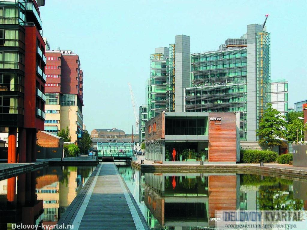 Отражения зданий в воде служат важной составляющей пространственного образа пэддингтонского бассейна