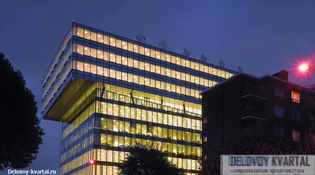 Бизнес-центр Palestra. Лондон. 2006. Это здание стало доминантой района Southwark и неизменно привлекает внимание туристов Palestra является штаб-квартирой London Development Agency (LDA) — Фасады традиционно для Олсопавыполнены из цветного стекла крупнейшего застройщика Лондона ©