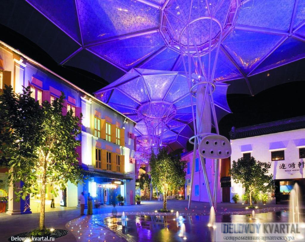 Набережная Clarke Quay. Сингапур. Уильям Олсоп руководил проектом комплексного благоустройства набережной и превращения ее в район, в котором сосредоточены рестораны, магазины и развлекательные заведения