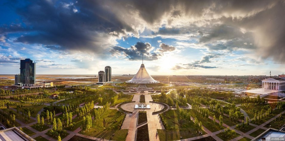 «Хан Шатыр» Норман Фостер. Астана, Казахстан