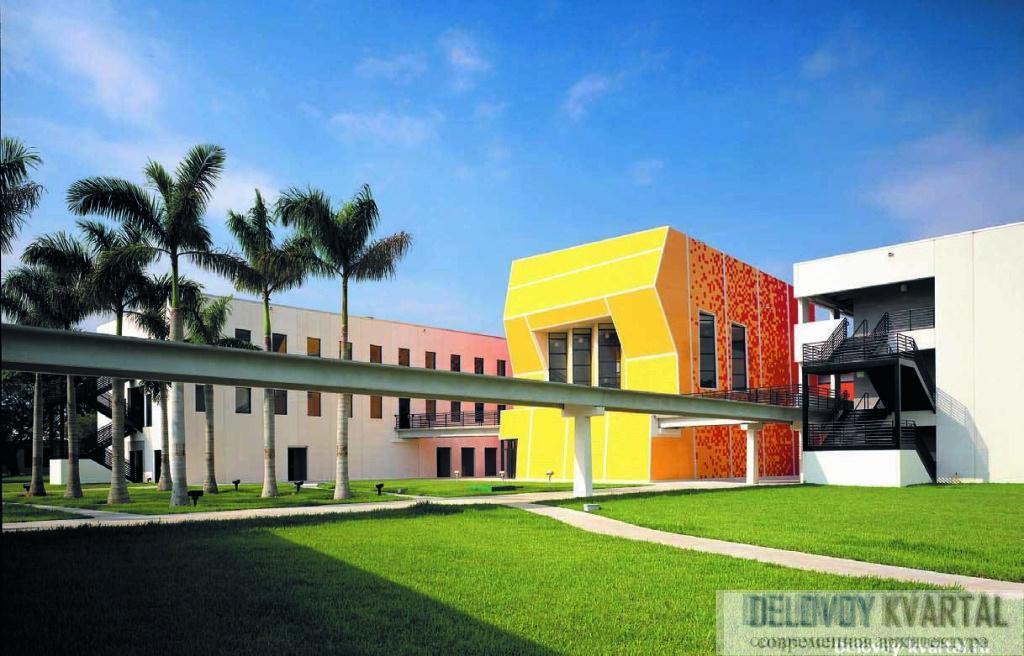 Школа архитектуры Майами, при Международном университете Флориды (Майами, 1999-2003).