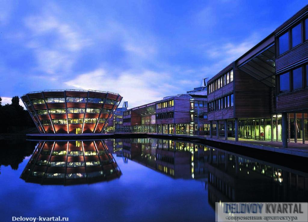 Jubilee Campus при Ноттингемском университете, 1999 г.