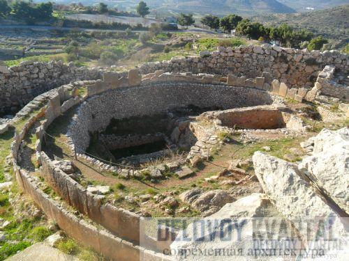 Руины царских гробниц