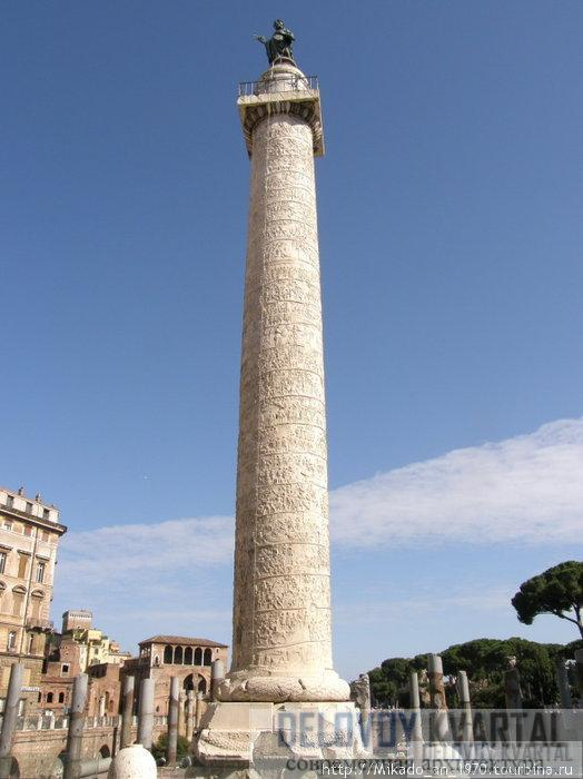Статуя. Колонна Траяна. Рим