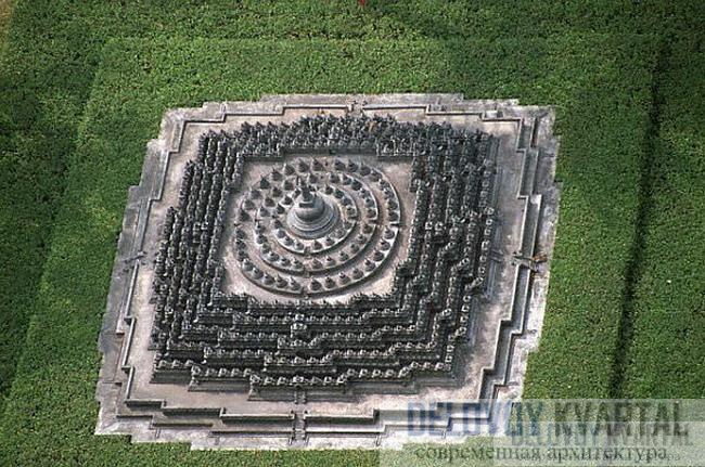 Для постройки храма понадобилось около 55 000 кубических метров камня.