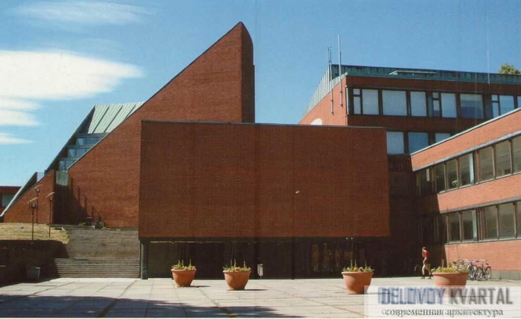 Общий вид на учебные корпуса Политехнического института (ныне — Университет Аалто) в Отаниеми. Хельсинки, Финляндия