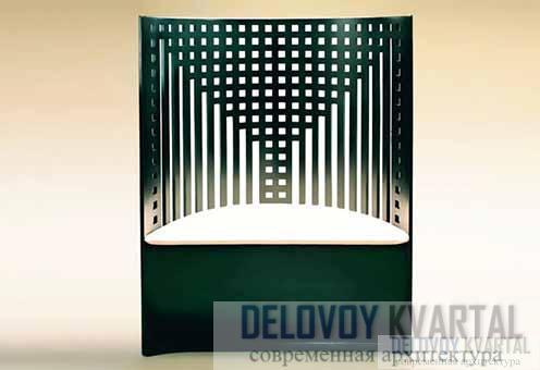 Копия стула из Ивовых чайных комнат, выполненная миланской фабрикой «Кассина»