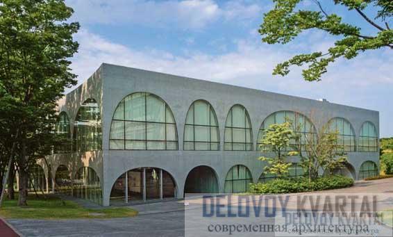 Библиотека Университета искусств Тама в Токио
