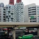Капсульная гостиница «Накагин» в Токио (арх. К. Курокава)