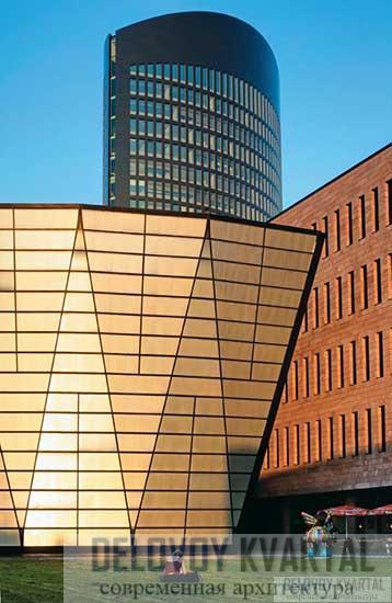 Фасад с солнцезащитным остеклением. Фрагмент Фрагмент фасада