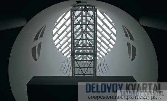 Фрагмент интерьера музея внутри цилиндрического объема Балкон под цилиндрическим объемом
