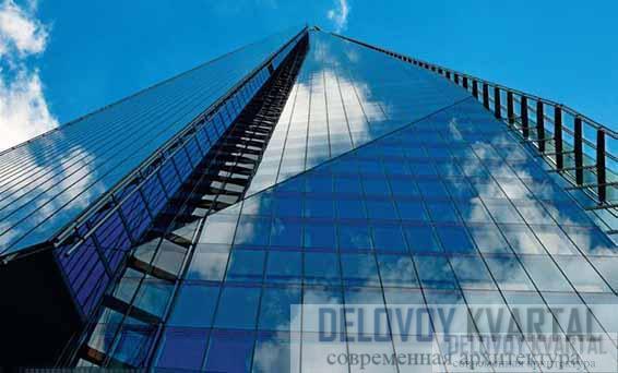 Остекление фасада небоскреба