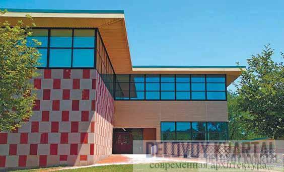 Фрагмент фасада новой галереи