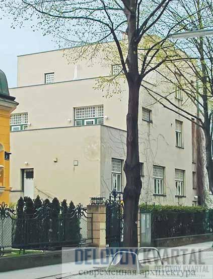 Дом Г. Шоя. Уличный и боковой фасады