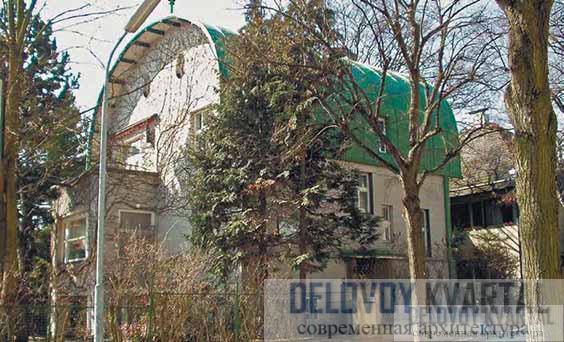 Дом Хорнера. Уличный и боковой фасады
