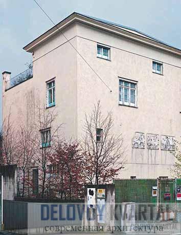 Дом И. Руфера. Уличный и боковой фасады