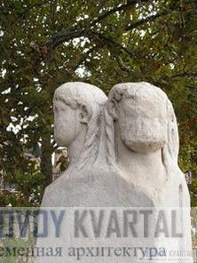 Quattro Capi, скульптура с четырьмя головами на восточном конце моста Фабриция.