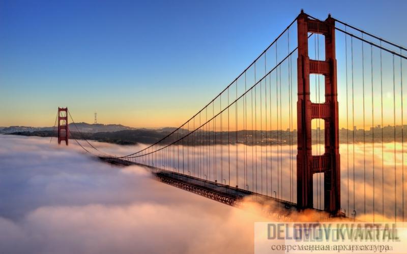Пелена знаменитых туманов Сан-Франциско часто скрывает мост