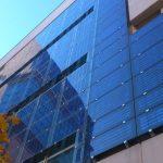 Фотовольтажные фасады с интегрированными солнечными батареями